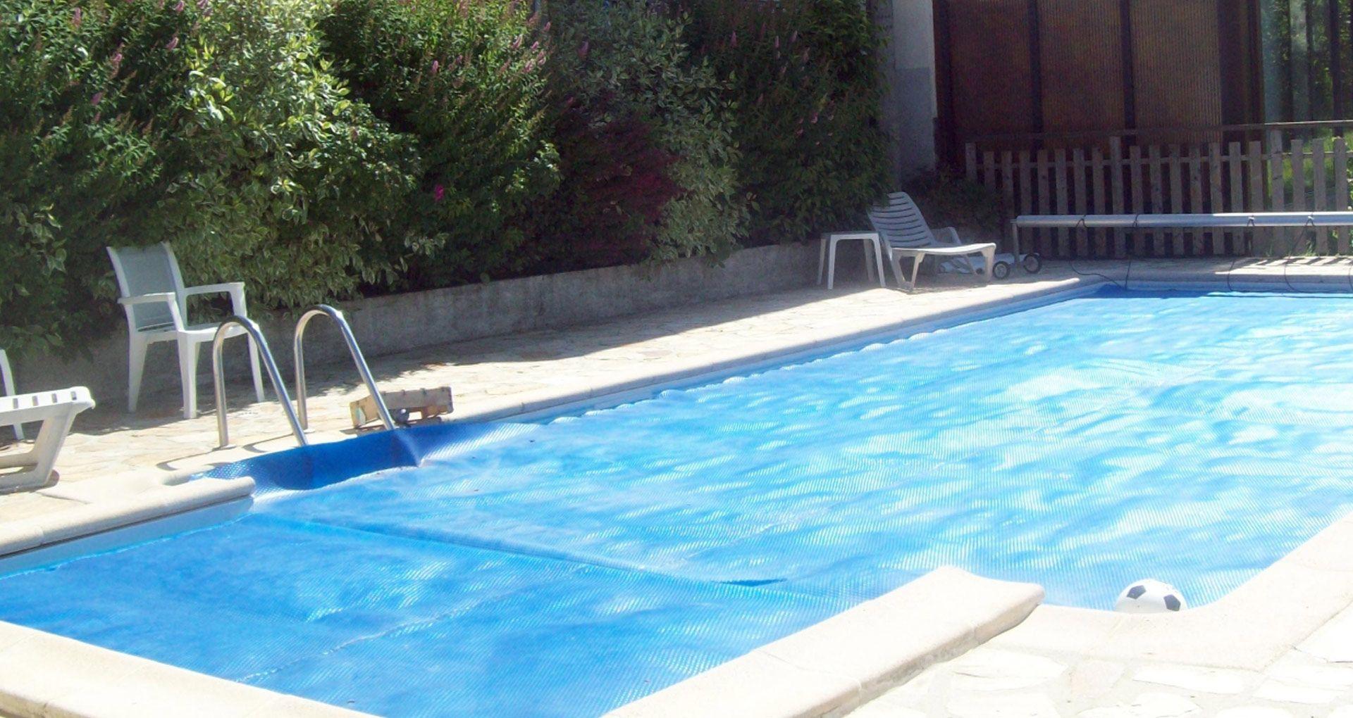 Restaurant sp cialit es r gionales saint cirgues de for Aurillac piscine